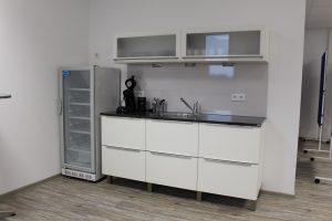 Küchenzeile im Konferenzraum